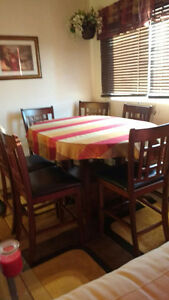 Dining set table and 6 chairs Kitchener / Waterloo Kitchener Area image 1