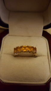 Women's 10kt Gold Ring size 8
