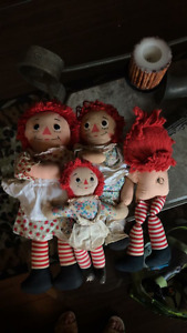 Vintage 4 Raggedy Ann Anne dolls one plays music and bonus