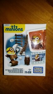 Lot of 2 Mega Bloks Minions Silly TV 37 PCS & Snowball Fight 26