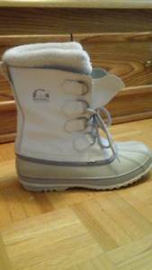 Sorel Women's Winter Boots (Women Size 8, 39 EUR)
