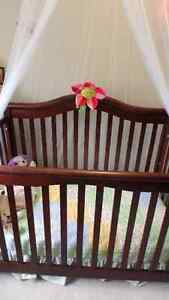 convertable crib with spring mattress Prince George British Columbia image 1