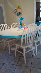 Super Cute Re-finished Table and Chair Set Windsor Region Ontario image 1