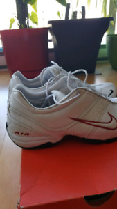 Nike-8 Size / grandeur