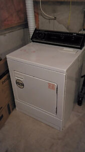 ELECTRIC DRYER IN GOOD WORKING CONDITION London Ontario image 1
