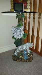 WHITE TIGER END TABLE IN EXCELLENT CONDITION