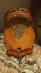 "16.5"" Custom diamond cross barrel saddle"