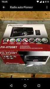 Pioneer double din Bluetooth deck.for sale.$200.00 OBO or trade