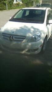 Mercedess B200