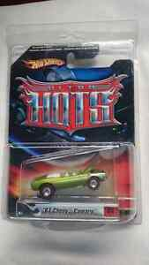HOT WHEELS 67 CHEVY CAMARO ULTRA HOTS REDLINE