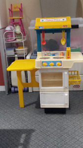 Fisher Price Kids' kitchenette / Cuisine pour enfants