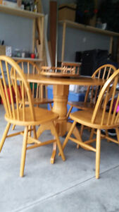 Maple Dining Table and 4 Chairs