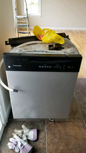 Frigidaire dishwasher for pick up Today $40