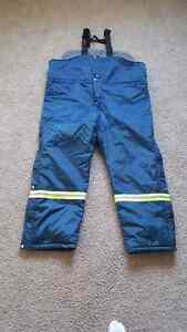 BRAND NEW WITH TAGS HELLY HANSEN INSULATED BIB OVERALLS
