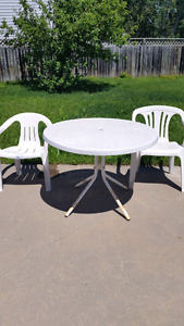 White patio set