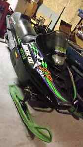 95 Arctic Cat ZR 580cc FIX OR PARTS SLED