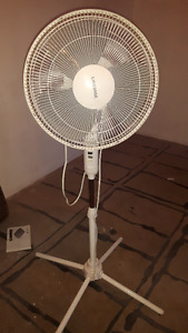 White stand up Fan
