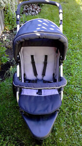 Jogging stroller with accesories