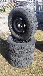 Winter Tires/Pneu D'Hiver 215/60/16