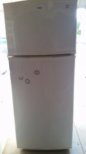 Kenmore fridge/freezer, great for parts (leak can be fixed)