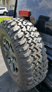Un pneu bf goodrich terrain lt km neuf 255 75 r17 valeur de 300