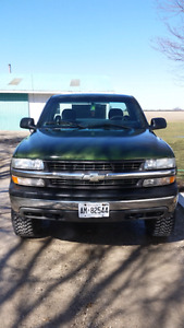 2000 Chevy Silverado 4x4 LOW KM