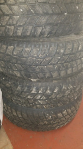 """""""NEGO""""USED ONE SEASON ONLY LIKE NEW 15"""" WINTER TIRES"""