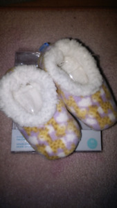 Baby slippers 3-6m