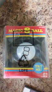 Magic 8 Ball Retro Edition Fortune Teller Toy