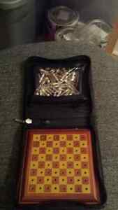 Chess/checkers traveling set