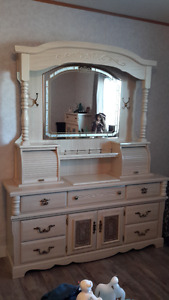 Blonde Bedroom Furniture