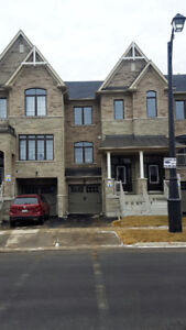 Luxury 3 Story Town Home in Woodbridge / Vaughan for Lease