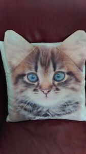 coussin avec face d'un chat