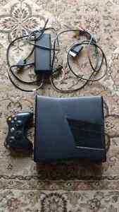 Xbox360 Slim 250gb. 37 Games. Turtle Beach Headset