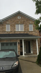 Semi-detached House for Rent - Brampton Prime Location