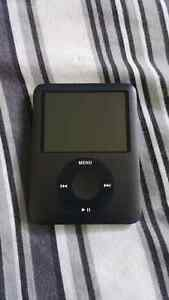 Apple iPod 8GB Nano - Hawkesbury ON