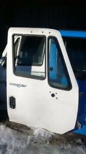 2010 INTERNATIONAL 4300 DURASTAR DOOR