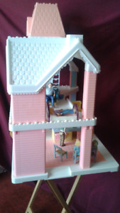 Fisher price dollhouse- people and furniture