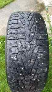 275/55/R20 nokian Hakkapeliitta studded tires . Great shape used