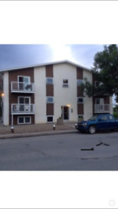 Large 2 Bedroom AVAIL NOW!! Top Floor