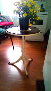 Vintage Round Kitchen Table- Lightly Distressed