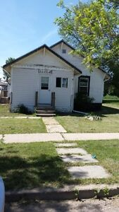 House for rent in Provost, AB. ------ $800/mth