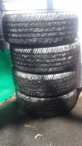 4 pneus d'été à vendre 205/55R16 Toyo avec jantes et enjoliveurs
