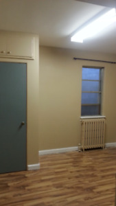 Cozy 1 bedroom Apartment avail: Dec 1