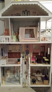 Large doll house with family, Chilliwack