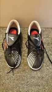 Indoor soccer shoes Kingston Kingston Area image 2
