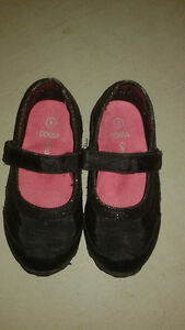 Black GEORGE Girls show size 8 or 24-36 months