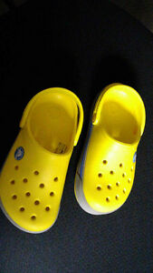 crock brand shoes 10/11 Stratford Kitchener Area image 1