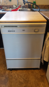 Inglis Portable full size Dishwasher for Sale