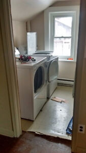 Maytag Full Size Laundry Pair